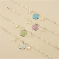 Picture of Bridesmaid Flower & Pearls Bracelet