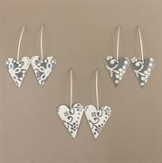 Picture of Medium Heart Earrings (medium earwire)