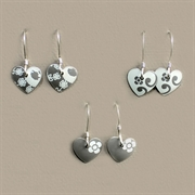 Picture of Tiny Round Heart Earrings