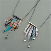 Picture of Wire & Five Leaves Necklace (Oxidised)