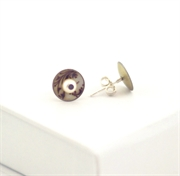 Picture of  Small Round Studs with Pearl