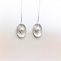 Picture of Aluminium Oval & Pearl Earrings JE47