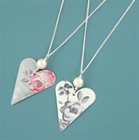 Picture of Slim Heart & Pearl Pendant