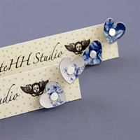 Picture of Denim Round Heart Studs JE10-de
