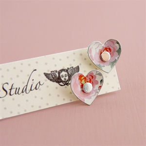 Picture of Pretty Floral Round Heart Studs