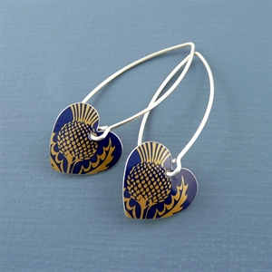 Picture of Thistle Round Heart Earrings (Medium Earwire)