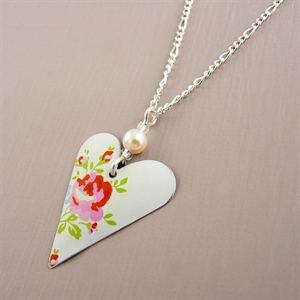 Picture of Pretty Floral Slim Heart & Pearl Necklace