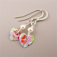 Picture of Pretty Floral Tiny Round Heart & Pearl Earrings