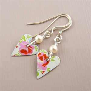 Picture of Pretty Floral Slim Heart with Pearl