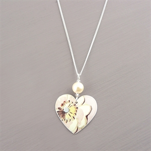 Picture of Emily Jane Floral Small Round Heart Necklace