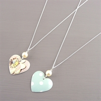 Picture of Emily Jane Spot Small Round Heart Necklace