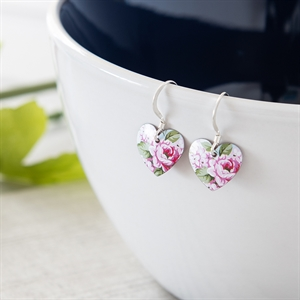 Picture of Carnation Round Heart Earrings