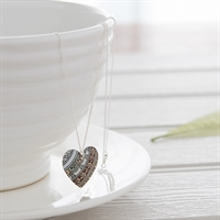 Picture of Damask White Round Heart Necklace