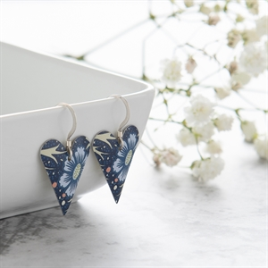 Picture of Midnight Floral Medium Heart Earrings