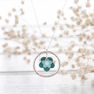 Picture of Daisy Necklace Jade and Mint Green - COL (L) Hammered