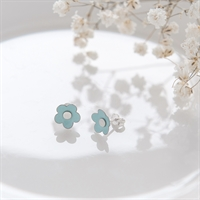 Picture of Small Mint Green Daisy Studs