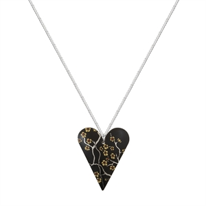 Picture of Willow Medium Heart Necklace